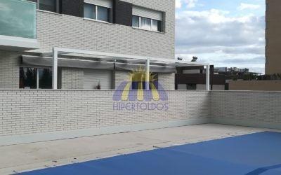 Pérgola 100×100 en urbanización Madrid – Hipertoldos 2019